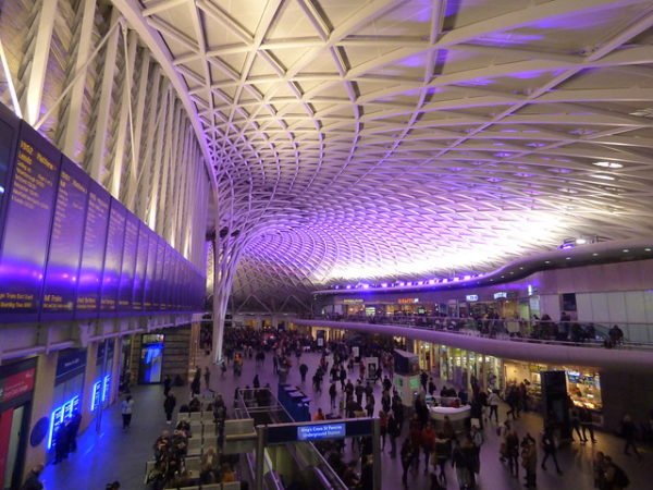 London King's Cross Station - new modern concourse (Image Credits: Flickr.com)